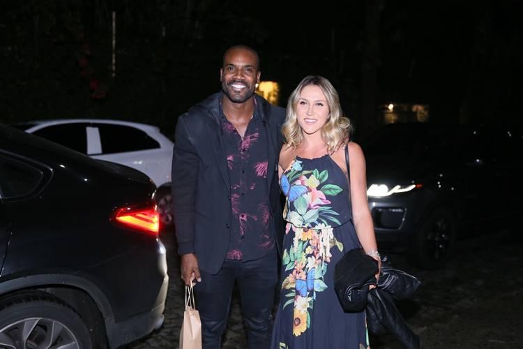 Rafael Zulu com a mulher (Anderson Borde/AgNews)