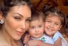 Bella Falconi com as filhas/Instagram