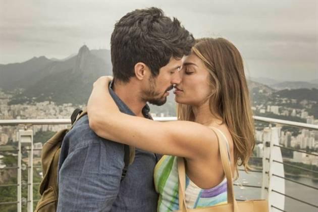 Bom Sucesso - Marcos e Paloma se beijam (TV Globo)