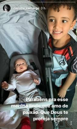 Camilla Camargo stories filho Joaquim e sobrinho Davi Camargo
