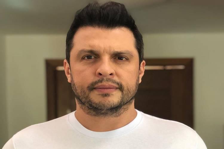 Ceará decide apostar em carreira de cantor