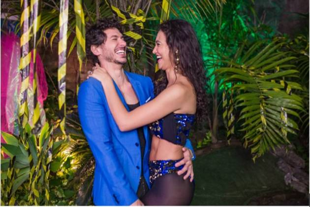 Débora Nascimento Luiz Perez reprodução da foto Festa Apocalipse Tropical Facebook. 22