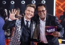 Michel Teló e Tony Gordon (Globo/Paulo Belote)