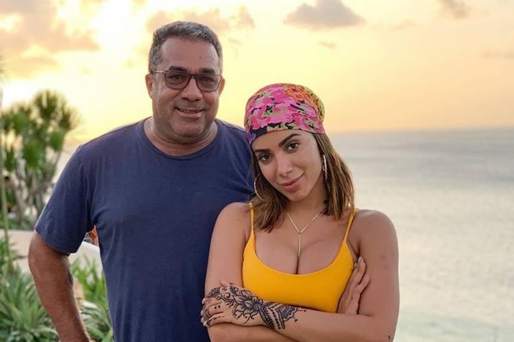 Pai de Anitta é hospitalizado