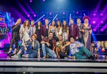 PopStar - Tais Araújo com participantes (Globo/Paulo Belote)