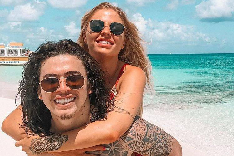 "Whindersson Nunes posa com Luisa Sonza e brinca: ""Nem parece que estamos ilhados"""
