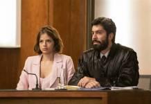 A Dona do Pedaço - Josiane com o advogado (Globo/Victor Pollak)