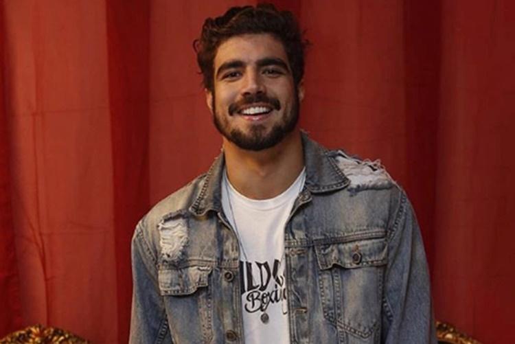 Caio Castro revela que já ficou excitado durante gravação de novela