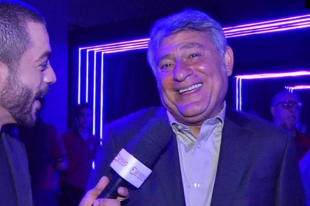 Cléber Machado conversa com o Área VIP