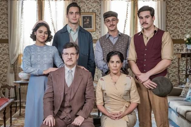 Éramos Seis - Lola com a família ( Globo/Raquel Cunha)
