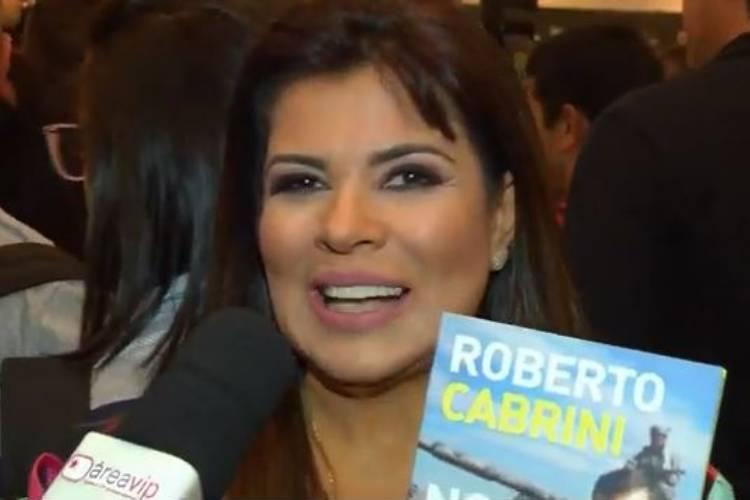 Mara Maravilha exalta Roberto Cabrini, em lançamento de livro - AreaVip.com.br