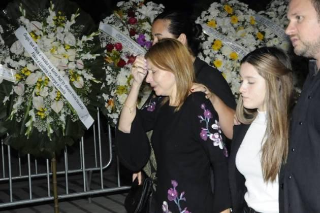 Mulher e filha de Gugu (Eduardo Martins / AgNews)