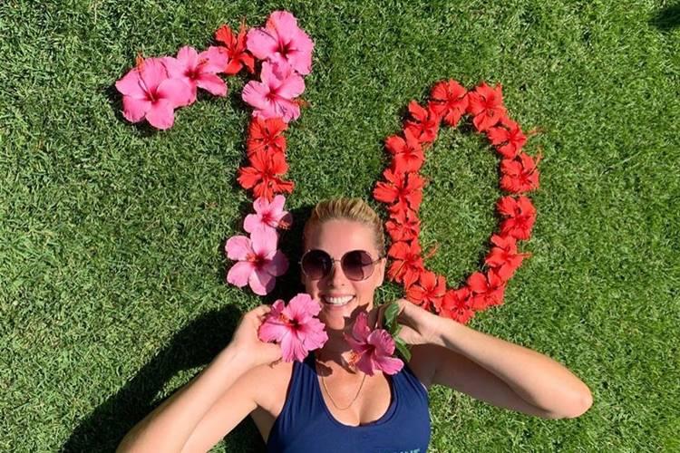 Ana Hickmann celebra dez milhões de seguidores nas redes sociais