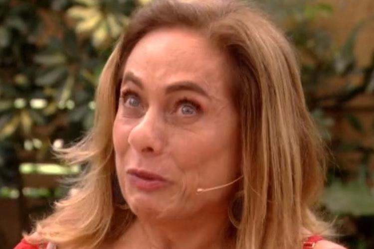"""Cissa Guimarães revela sofrimento familiar durante quarentena e lamenta: """"Tempos sombrios"""""""