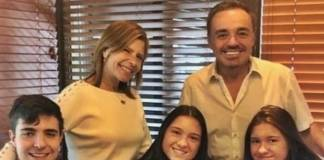 Rose e Gugu com o três filhos/Instagram