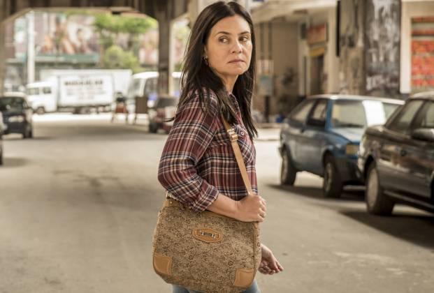 Thelma (Adriane Esteves) em Amor de Mãe