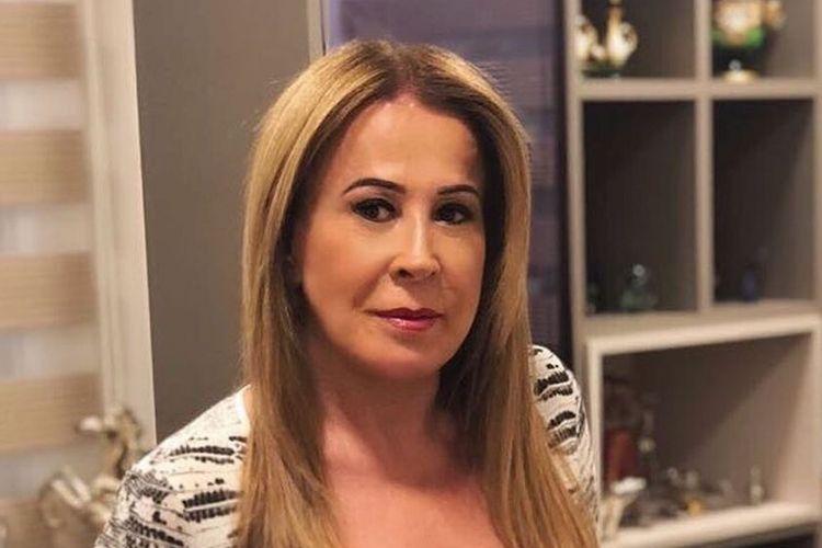 Zilu Camargo causa ao surgir apenas de biquíni e escapa detalhe íntimo