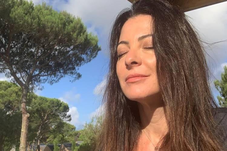 """Ana Paula Padrão revela sonho com o falecido pai: """"Não aparentava nenhum dos problemas"""""""
