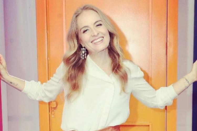 """Angélica emociona a web ao mostrar clique dos filhos em comemoração ao """"Dia do Abraço"""""""