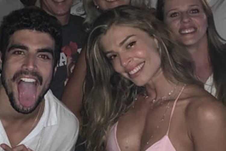 Grazi Massafera aparece em momento descontraído com Caio Castro