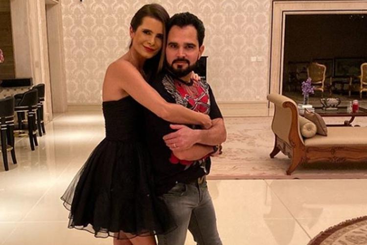 Sertanejo Luciano Camargo ganha declaração da esposa por seu aniversário