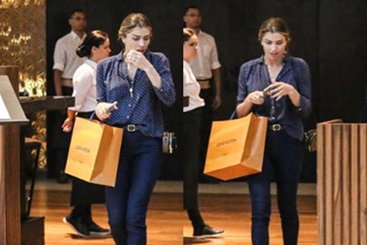 Grazi Massafera é flagrada fazendo compras em shopping