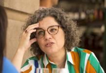 Jane (Isabel Teixeira) conversa com Thelma (Adriana Esteves) - TV Globo/Estevam Avellar