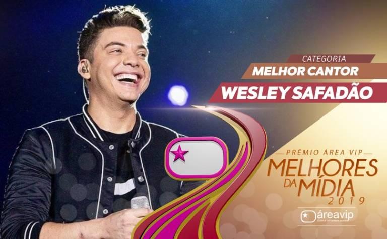 Bicampeão, Wesley Safadão comemora Prêmio Área VIP
