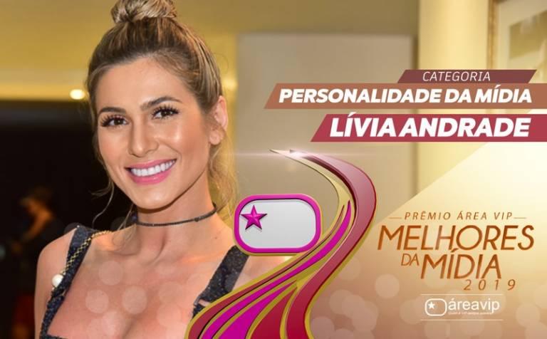 Lívia Andrade celebra conquista do 'Prêmio Área VIP'