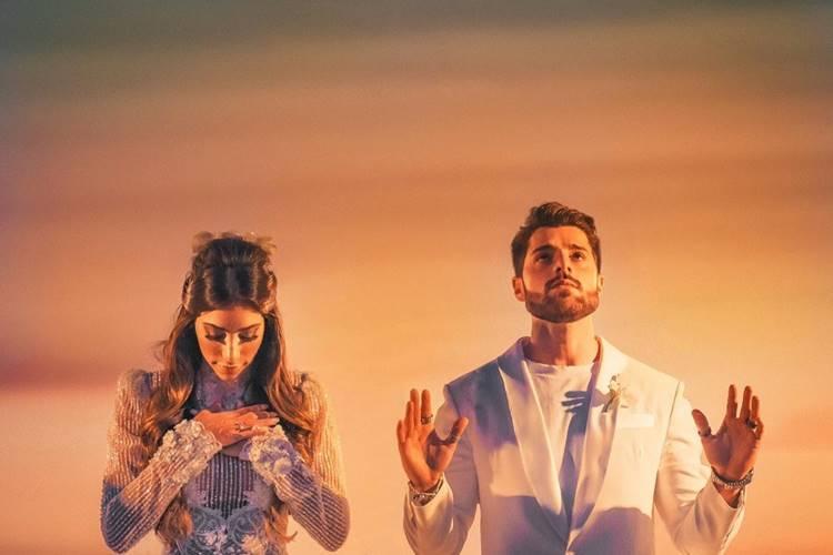 Alok celebra um ano de casamento com Romana Novais