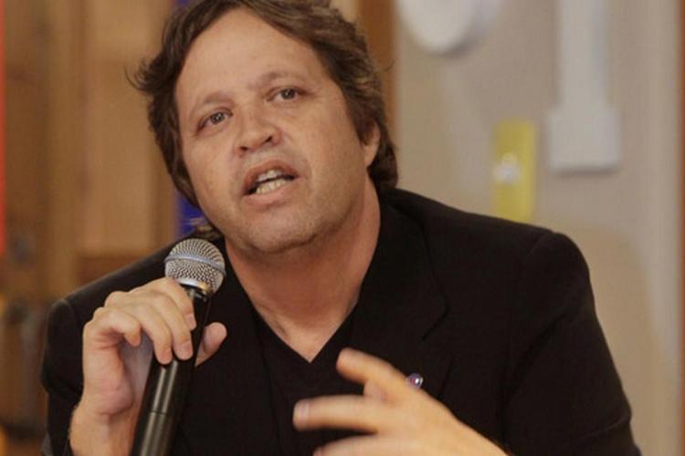 Diretor de sucessos, Ivan Zettel deixa a Record após 14 anos