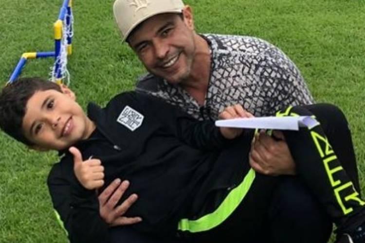 """Sertanejo Zezé Di Camargo celebra aniversário do neto: """"Um presente de Deus"""""""