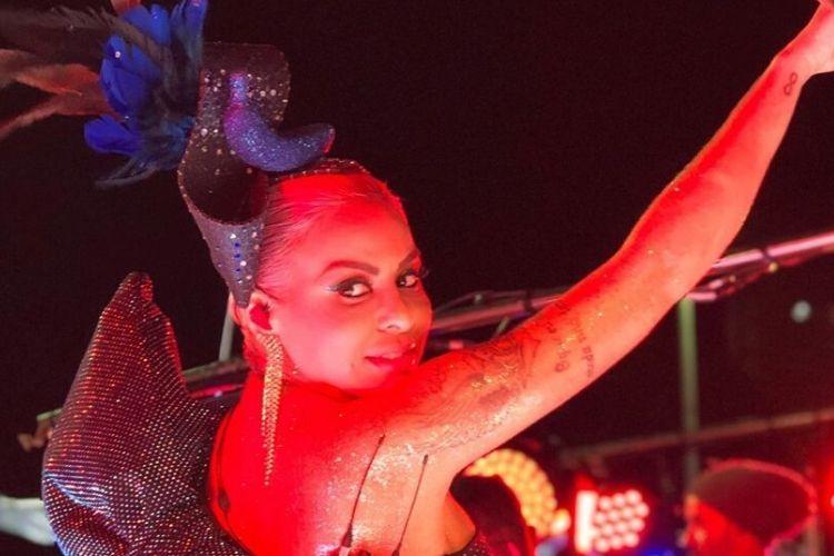 Alinne Rosa levanta bandeira do empoderamento feminino no Carnaval