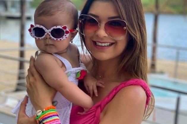 Amanda Françozo e filha Vitória reprodução Instagram