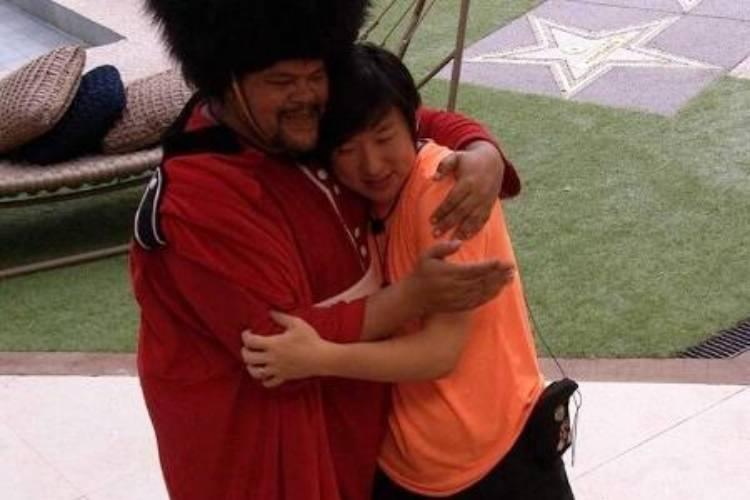 """BBB20: Babu conversa com Pyong: """"Eu não te odeio"""""""