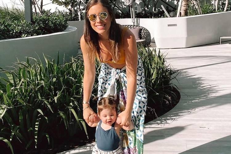 """Fabiana Justus se derrete pela filha: """"Sienna, nossa ursinha"""""""