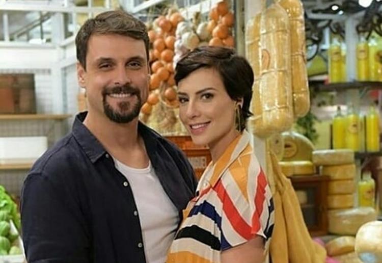 Casal protagonista de 'Topíssima' faz participação especial em 'Amor Sem Igual'