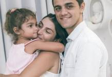 Felipe Simas Mariana Uhlmann e filha Maria reprodução Instagram