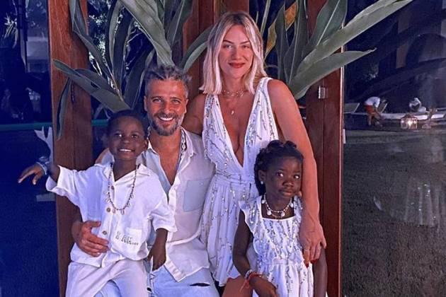 Bruno Gagliasso e Giovanna Ewbank com os filhos, Titi e Bless - Instagram