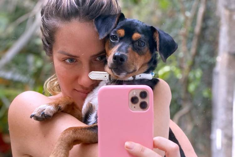Giovanna Ewbank mostra transformação de Lasanha e apresenta seus pets