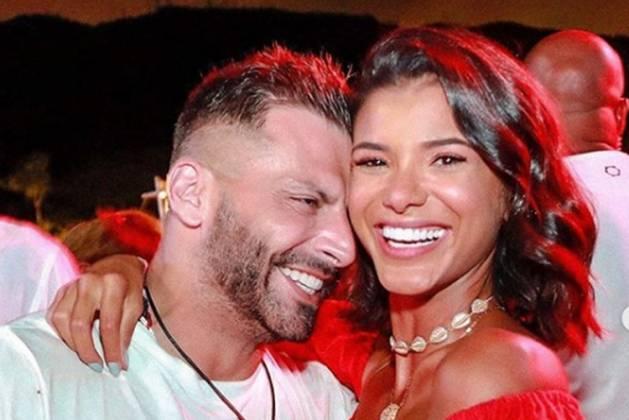 Henri Castelli e namorada Jakelyne Oliveira reprodução Instagram