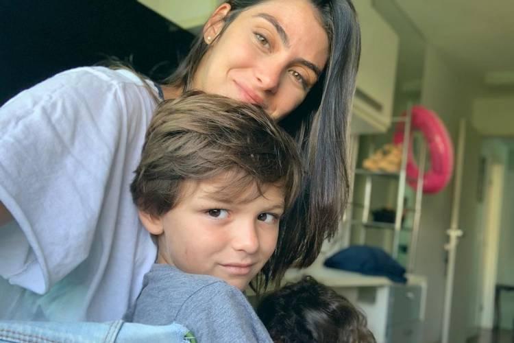 Mariana Uhlmann, esposa de Felipe Simas, faz desabafo sobre o filho mais velho