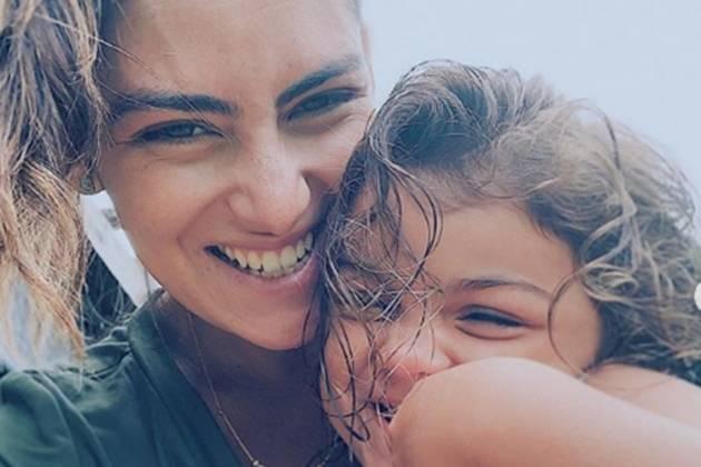 Mariana Ulhmann e filha Maria reprodução Instagram