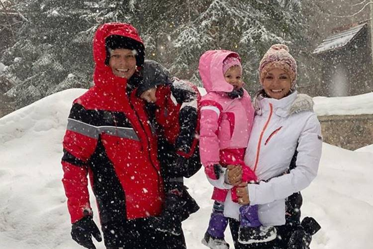 Thais Fersoza relata experiência dos filhos na neve