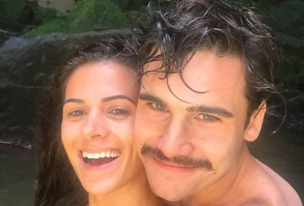 Nicolas Prattes e namorada
