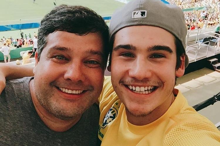 Nicolas Prattes faz declaração para o pai no dia do aniversário