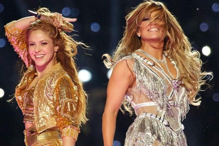 Jennifer Lopez e Shakira dão show no Superbowl