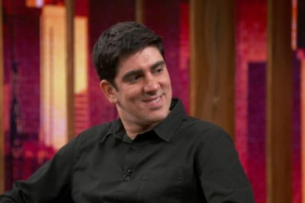 Marcelo Adnet no 'Conversa com Bial' (Foto: Reprodução/TV Globo)