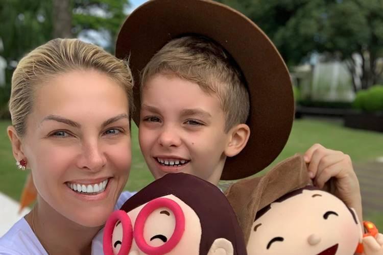 Após dias afastada da família, Ana Hickmann mata saudades do filho
