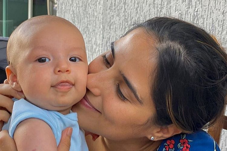 Camilla Camargo se assusta após filho de nove meses surgir em situação perigosa